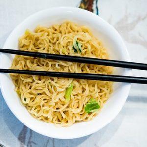 Εύκολα Λαχανικά με noodles ρυζιού